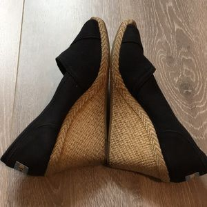 Tom's Black Espadrilles Wedges